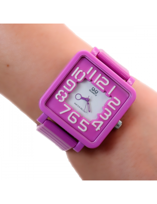 Reloj QyQ Dayoshop $31.900